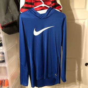 Nike elite hooded long sleeve